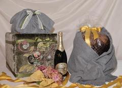Pouff Verde decoro Design Valentine porta Panettone e Champagne