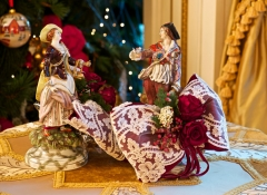 statuine natalizie di porcellana - regali d'autore stile valentine