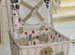 cestino picnic fragole - Stile Valentine